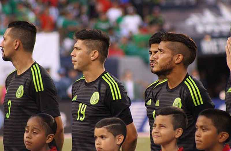 """""""Mexico players"""" by Victor Araiza (CC BY 2.0)"""