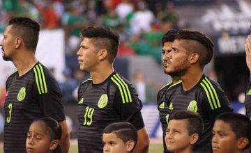 """Mexico players"" by Victor Araiza (CC BY 2.0)"